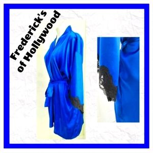 Frederick's of Hollywood Short Blue Robe M…